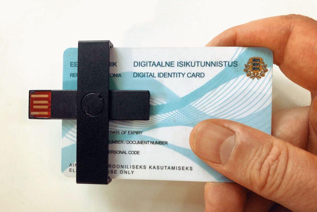 El Proceso de registrarse como e-Resident. Estonia extiende la validez de 32.000 tarjetas de e-Resident 2 años más